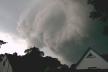 Пошкодження на Косівщині: негода зруйнувала дахи будівель, а повалені дерева перекрили рух транспорту
