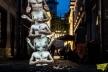 В середмісті Франківська з'явилась арка з оголених торсів (Фото)