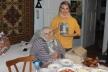 Бабуся-блогерка з Прикарпаття видала книгу власних спогадів