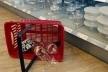 Прикарпатцям пояснили, чи потрібно платити, якщо пошкодили товар у магазині