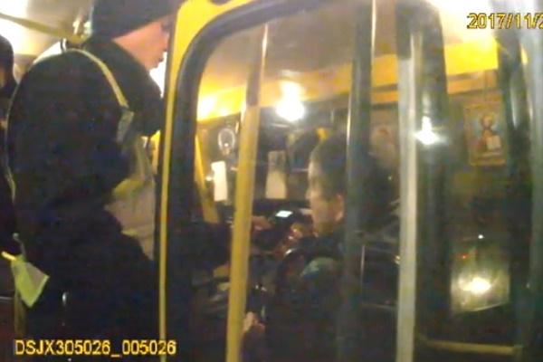 Франківські патрульні «взялися» за маршрутки (Відео)