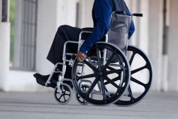 Франківські чиновники пересядуть на інвалідні візки