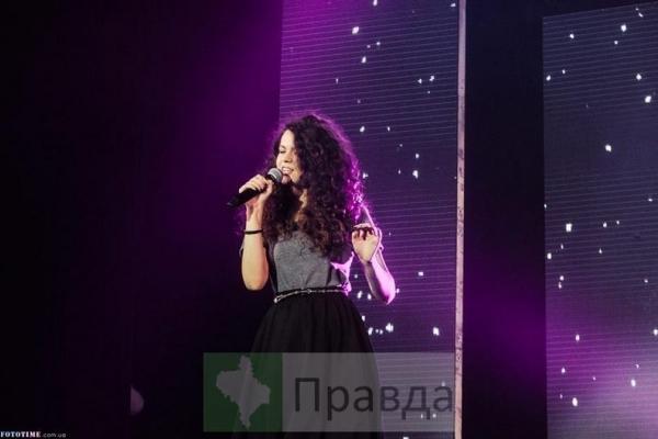 Співачка з Івано-Франківська перемогла у суперфіналі пісенного конкурсу «Караоке без кордонів Live»