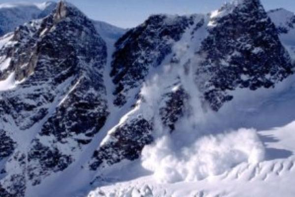 На Прикарпатті зберігається значна лавинна небезпека