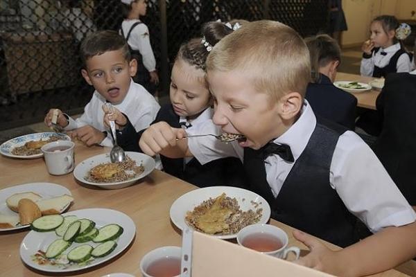 Вартість харчування у школах Франківська збільшиться