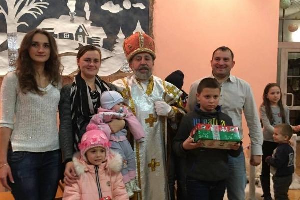 До дітей учасників АТО з Прикарпаття вже прийшов Святий Миколай