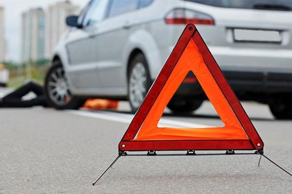На Франківщині 18-річний молодик викрав автомобіль, вчинив ДТП та втік