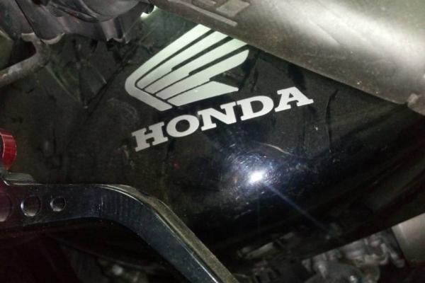 У прикарпатця конфіскували незаконно ввезений в країну мотоцикл