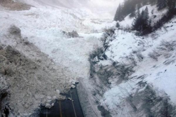 Загроза сходження лавин зберігається у Карпатах