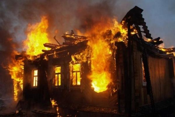 Страшна смерть на Прикарпатті: 26-річний хлопець згорів у власній оселі