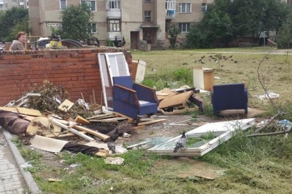 В Івано-Франківську розповіли, куди подіти негабаритне сміття