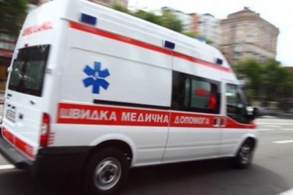 Коли кожна секунда важлива: франківські патрульні довезли дівчинку до лікарні