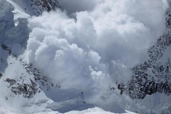 Синоптики попереджають про значний рівень лавинної небезпеки у Карпатах