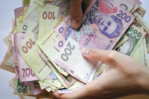 За «викуп сина» прикарпатець віддав шахраям 1000 доларів