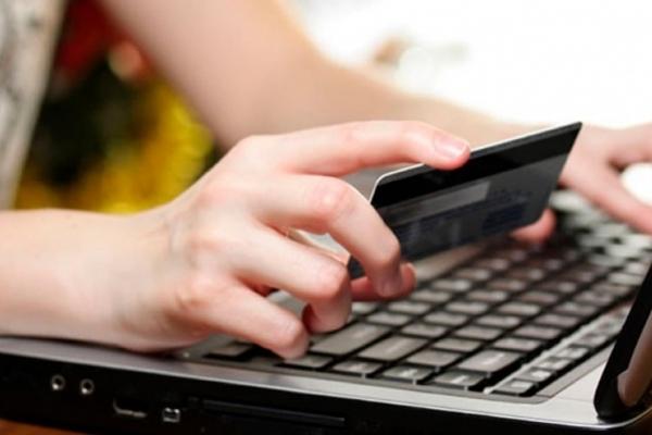 Інтернет-шахраї видурили в франківця 36 тисяч гривень