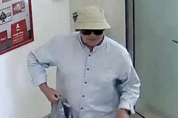 «Шоколадного грабіжника» з Прикарпаття, який «почистив» 22 банки, засудили на вісім років