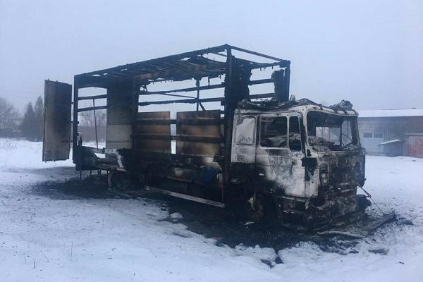 На Косівщині чоловік підпалив вантажівку