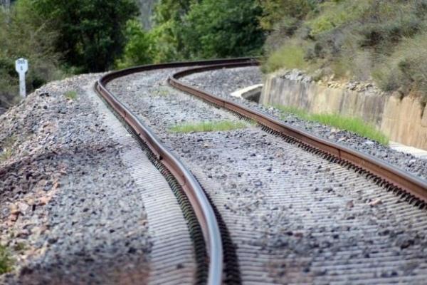Підліток, якого у Долині травмував потяг, був біля колії в капюшоні з навушниками