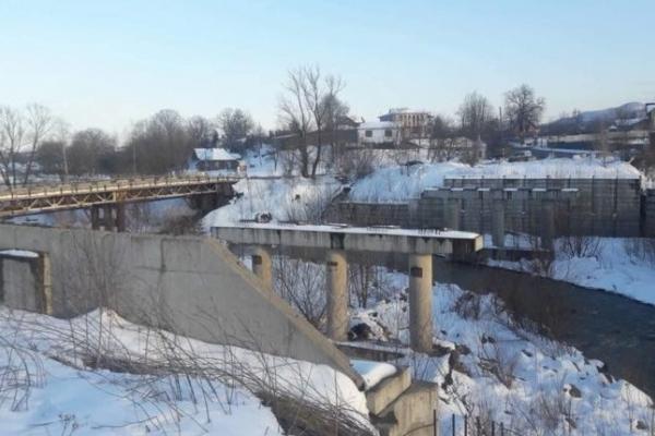 Уряд виділить кошти на відбудову прикарпатського мосту, який зруйнувала повінь