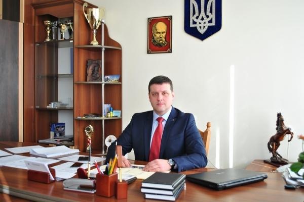 Декларації чиновників: у сім'ї голови Богородчанської РДА з'явилися три нові іномарки