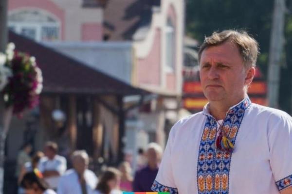 Долари, євро та гривні: за минулий рік дохід міського голови Калуша зріс на майже 90 тисяч