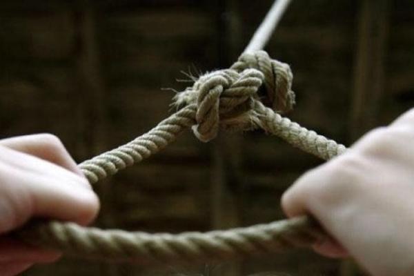 Жахливе самогубство на Прикарпатті: молодий чоловік звів рахунки з життям