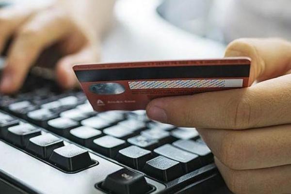 У Франківську інтернет-шахраї ошукали чоловіка на 18 000 грн