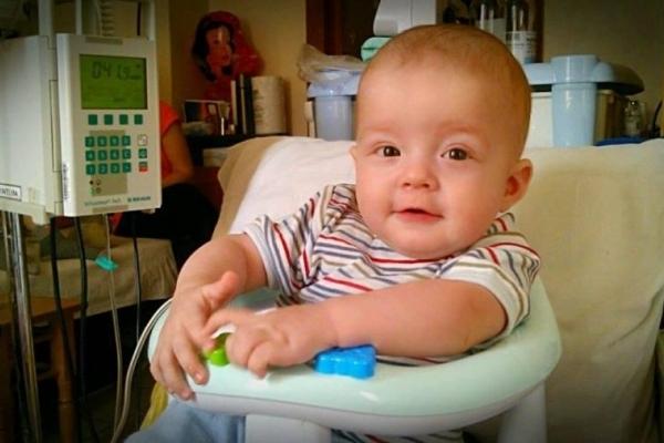 На Прикарпатті не стало малюка, який боровся із раком