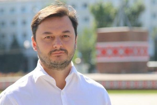 Депутат-мільйонер з Прикарпаття отримував компенсацію за проїзд та житло