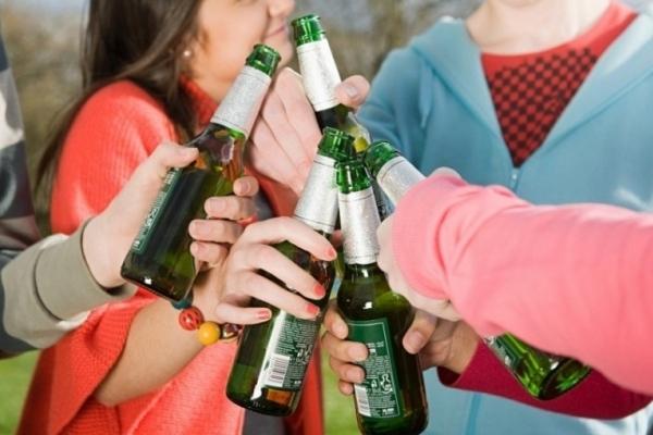 На Прикарпатті оштрафували підприємців, які продавали алкоголь неповнолітнім