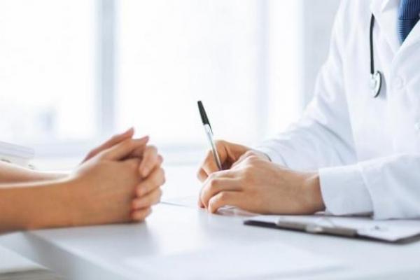 Менше 10% жителів Прикарпаття підписали декларації з лікарями