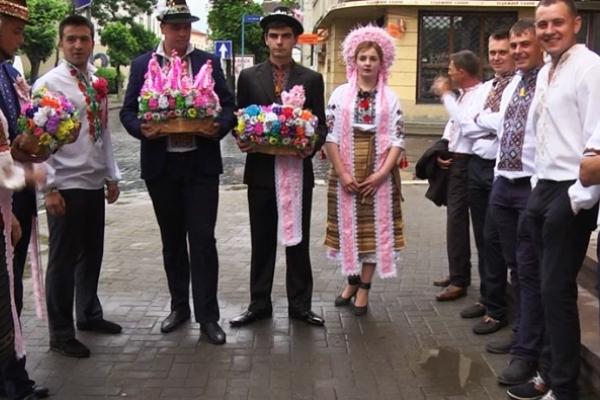 На Прикарпатті показали традиційне покутське весілля (Відео)