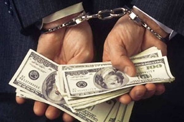 На Прикарпатті «на гарячому» зловили групу осіб, яка вимагала 25 тисяч доларів