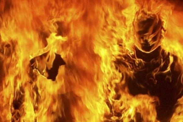 Спроба самоспалення у Франківську: 53-річний франківчанин облився бензином і погрожував суїцидом