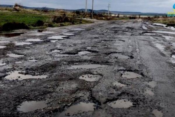 На Прикарпатті погрожують «наглухо» перекрити трасу на Буковель (Відео)
