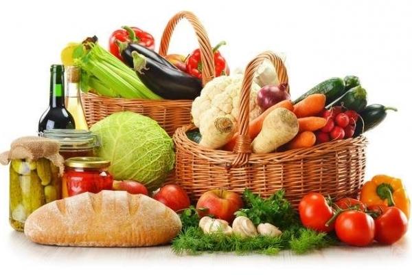За місяць прикарпатець споживає по 10 кг хліба і картоплі, майже 4 кг м'яса,15 яєць (Інфографіка)