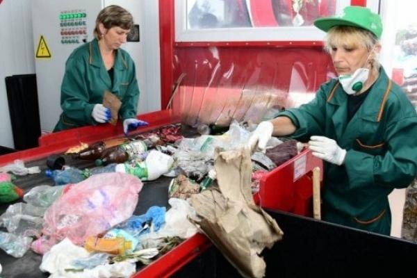 Біля Івано-Франківська запустили сортувальну лінію побутових відходів