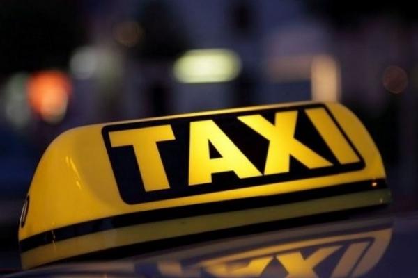 На Прикарпатті патрульні 5 раз зупиняла водія таксі у стані наркотичного сп'яніння