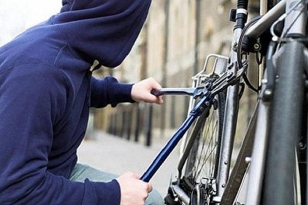 На Франківщині у вчинені крадіжки велосипеда підозрюють сусіда потерпілої