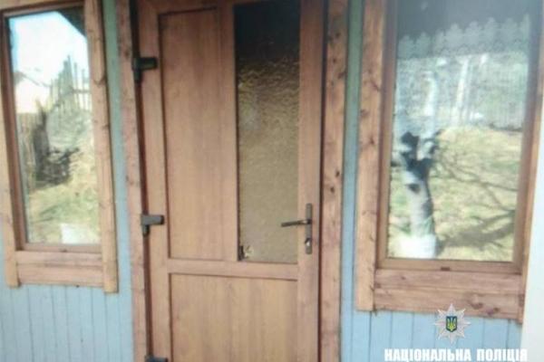 На Прикарпатті грабіжник обікрав будинок, поки господар був у церкві (Фото)