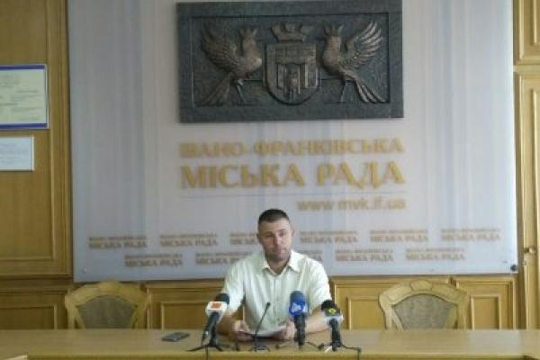 Стало відомо, коли у громадському транспорті Франківська буде е-квиток