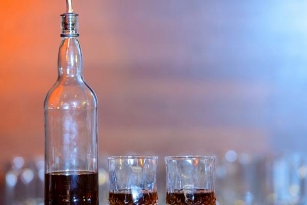 На Прикарпатті шахраї, які виробляли алкоголь, заплатять штрафи до 85 тис грн