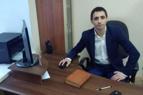 Затриманого на хабарі директора ЦНАПу на Прикарпатті визнали кращим держслужбовцем