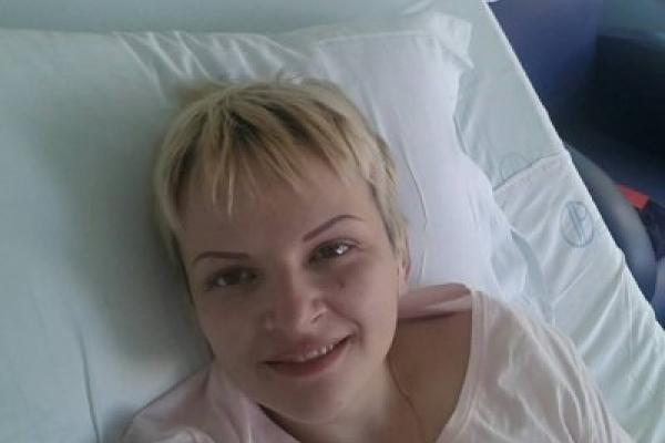 Після трьох років боротьби з раком у Португалії померла багатодітна франківка