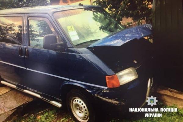 Водій мікроавтобуса, який збив на узбіччі двох прикарпатців, був тверезий