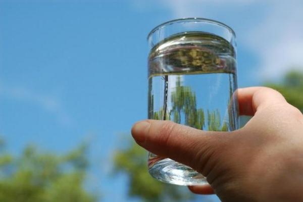 У декількох районах Прикарпаття виявили бактеріальне забруднення питної води