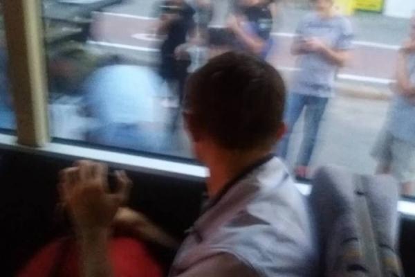 Франківські патрульні зупинили водія, котрий віз у авто наркотики