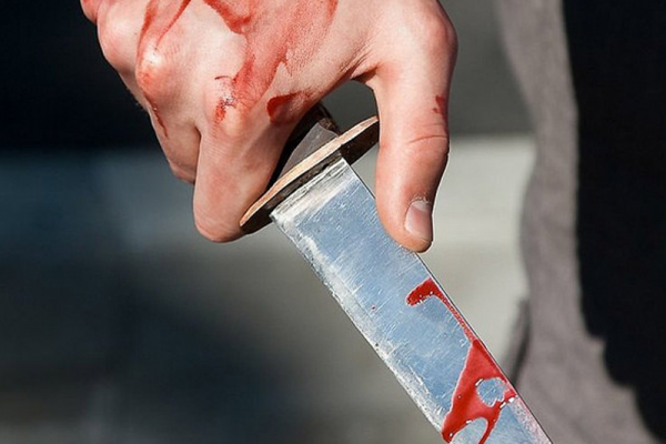 Прикарпатцю, котрий напав з ножем на перехожого, загрожує до 12 років в