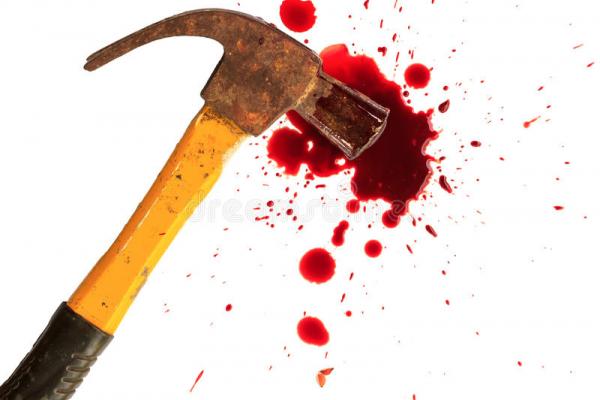 В Івано-Франківську жінка розбила чоловіку голову молотком