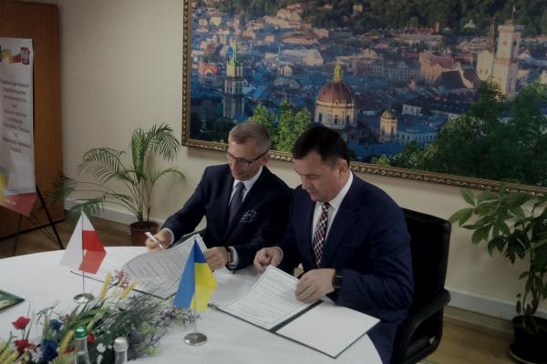 Проблеми працевлаштування українців у Польщі перевірять вищі органи аудиту Польщі та України